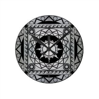 Plata de la Atlántida de los artes en negro Reloj Redondo Mediano