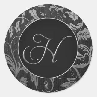 Plata del monograma H y sello negro del boda del Pegatina Redonda