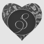 Plata del monograma S y sello negro del boda del d Calcomanía De Corazón Personalizadas