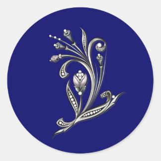 Plata floral en el sello azul del sobre del boda pegatina redonda
