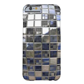 Plata y algunos espejos azules de la bola de funda de iPhone 6 barely there