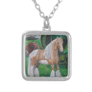 Plata y caballo y furgoneta románticos del oro colgante cuadrado