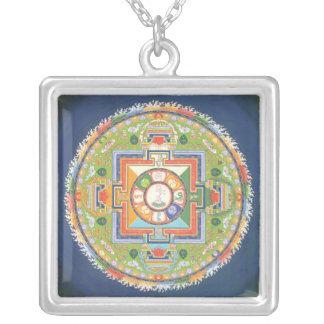 Plata y colgante de Avalokiteshvara de la mandala