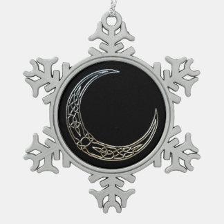 Plata y luna creciente céltica del negro adorno de peltre en forma de copo de nieve