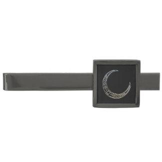 Plata y luna creciente céltica del negro alfiler de corbata metalizado