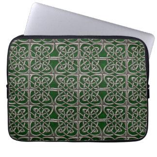 Plata y modelo conectado verde del Celtic de los Mangas Portátiles