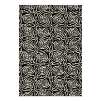 Plata y modelo de nudos espiral céltico del negro fotografía