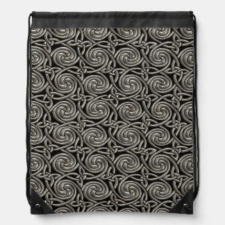 Plata y modelo de nudos espiral céltico del negro mochila