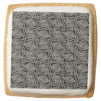 Plata y modelo de nudos espiral céltico del negro