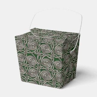 Plata y modelo de nudos espiral céltico del verde cajas para regalos de boda
