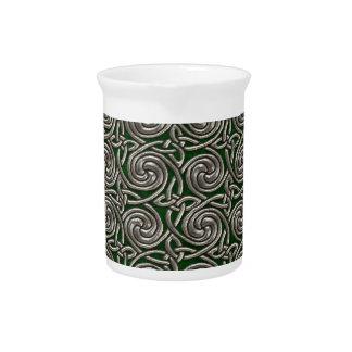Plata y modelo de nudos espiral céltico del verde jarrón
