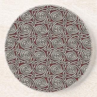 Plata y modelo de nudos espiral céltico rojo posavasos de arenisca