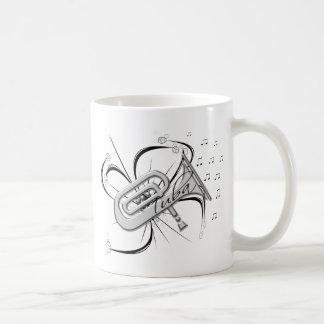 Plata y notas de la tuba taza clásica