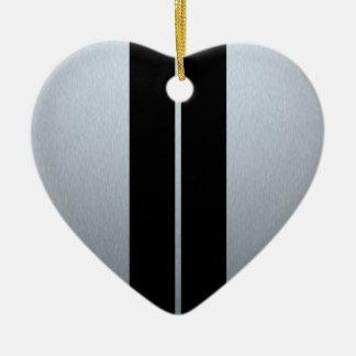 Plata y rayas negras del coche de competición adorno navideño de cerámica en forma de corazón