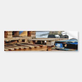 Plataformas de madera en los pegatinas del muelle pegatina para auto