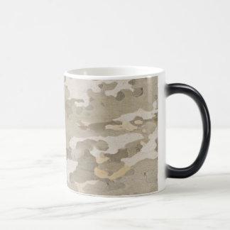 Platan bark texture magic mug