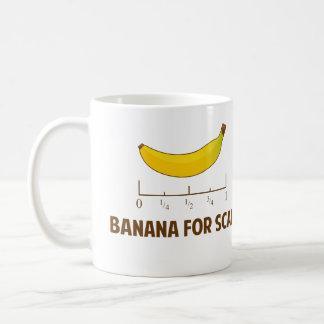 Plátano para la escala taza básica blanca