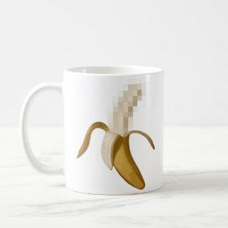 Plátano pelado censurado sucio tazas de café