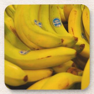 Plátanos que van posavasos de bebidas