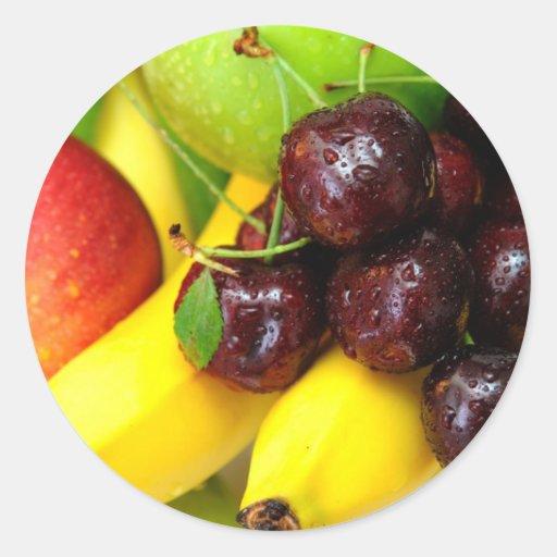 Plátanos y manzanas de las cerezas pegatina redonda