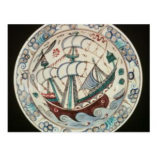 Plato pintado con una nave postal
