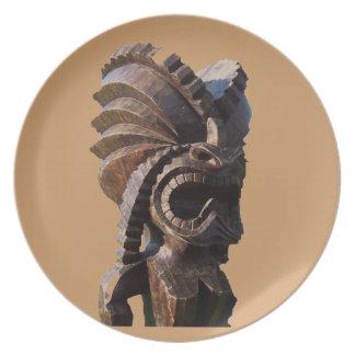 Platos polinesios de Tiki del vintage