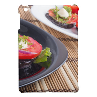Platos vegetales de la berenjena guisada y del