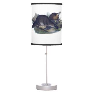 Platypus en un ejemplo del registro lámpara de mesa