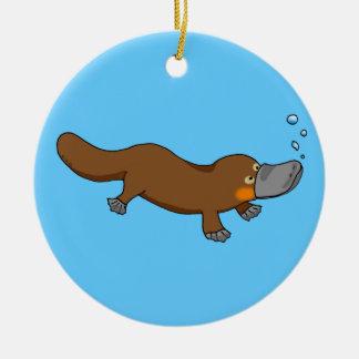 Platypus pato-cargado en cuenta natación linda adorno navideño redondo de cerámica