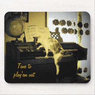 Play them out old time style mouse pad