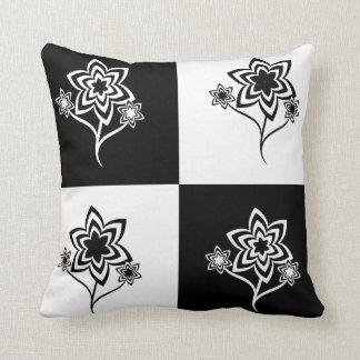 Play with black and white flowers pillow