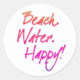 Playa. Agua. ¡Feliz! Pegatina Redonda
