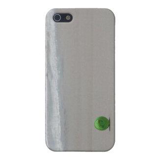 Playa arena ondas y cubo verde iPhone 5 cárcasa