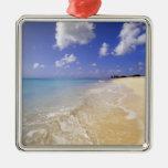 Playa baja de la bahía, Barbuda, Antigua Adorno Navideño Cuadrado De Metal