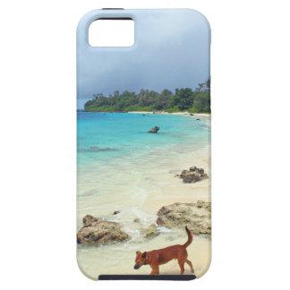 Playa blanca de la arena de la isla tropical del p iPhone 5 Case-Mate fundas