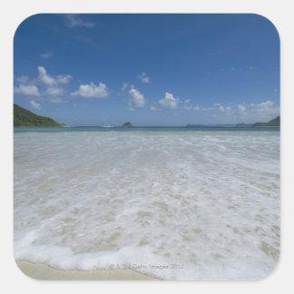 Playa blanca tropical prístina calcomanía cuadrada personalizada