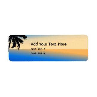Playa con la palmera etiqueta de remitente