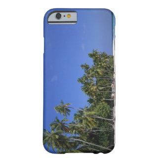Playa con las palmeras, Maldivas Funda De iPhone 6 Barely There