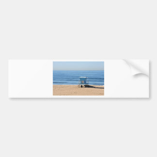 Playa con una cabina de Baywatch Pegatina De Parachoque