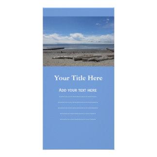 Playa creciente en la roca blanca tarjetas con fotos personalizadas
