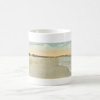 Playa creciente Sarasota Taza Básica Blanca