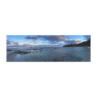 Playa crepuscular lona envuelta para galerías