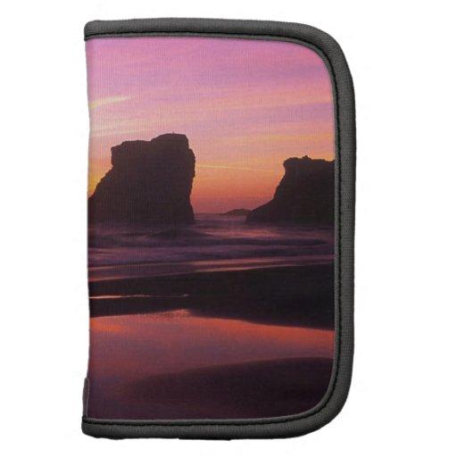 Playa crepuscular Oregon de las reflexiones del ma Organizadores