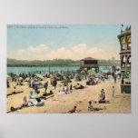 Playa de baño, vintage de Santa Cruz CA Poster