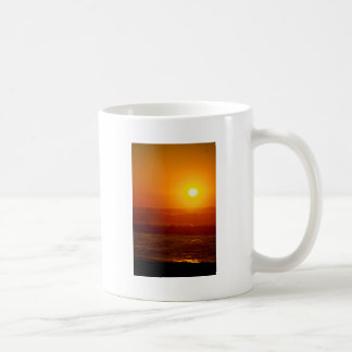 Playa de Horsfall de la puesta del sol del otoño, Taza Clásica