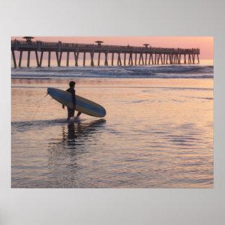 Playa de Jacksonville, la Florida - practicando su Posters