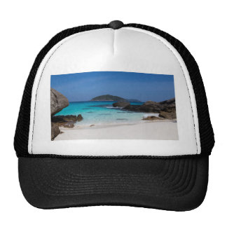 Playa de la arena de Similan y mar blancos de las Gorros Bordados