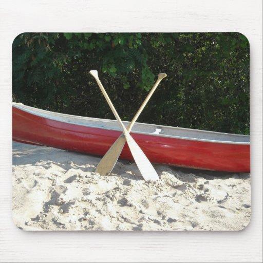 Playa de la canoa tapete de ratón