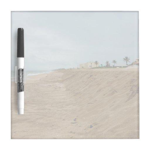 Playa de la Florida al sur vacía antes de tormenta Pizarras Blancas De Calidad