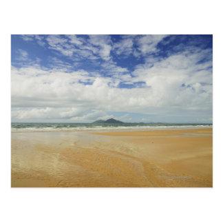 Playa de la misión e isla de la clavada tarjetas postales
